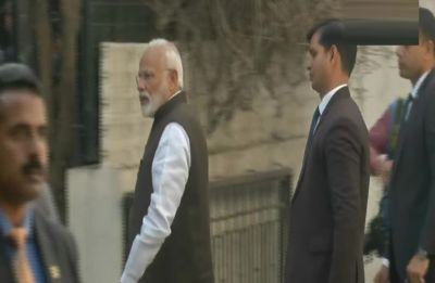 Prime Minister Narendra Modi reaches George Fernandes' residence to pay his tribute
