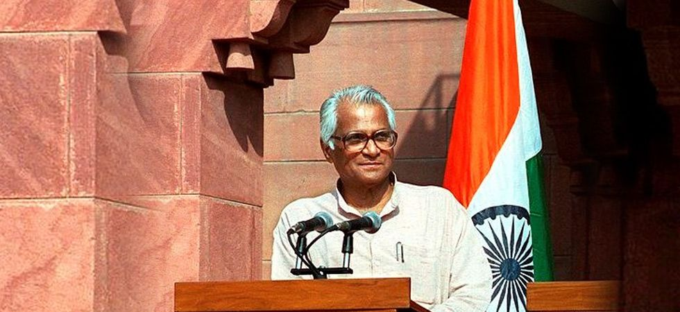Fernandes quit as defence minister in 2004 after the 'coffin gate' scandal broke out. He was subsequently exonerated by two commissions of inquiry constituted to probe the alleged scam. (File photo)
