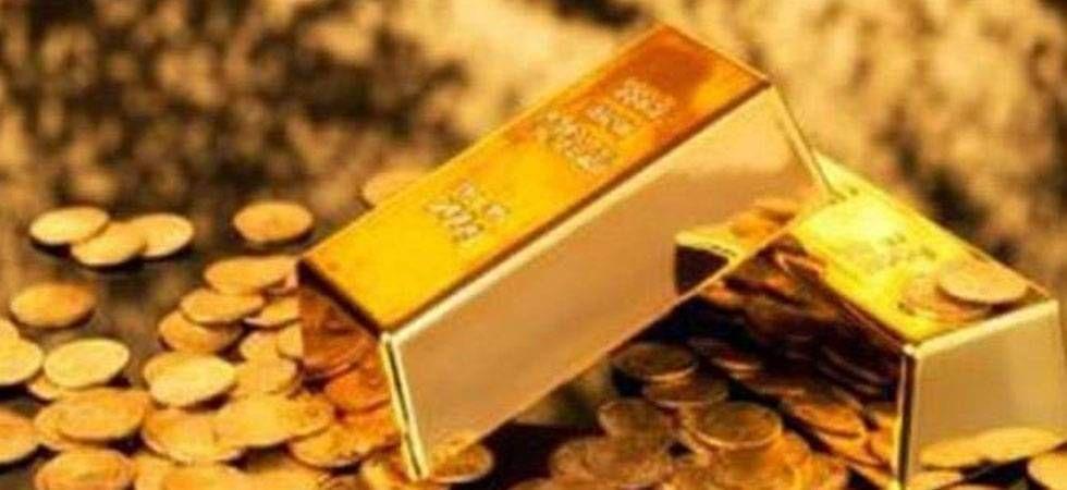 Gold crosses Rs 34,000-mark per 10 grams (file photo)