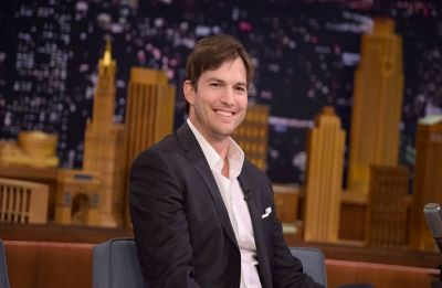 Ashton Kutcher tweets phone number, says he misses 'real connection with real people'