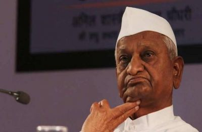 Anna Hazare's health deteriorates, admitted to hospital
