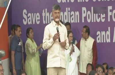 Mamata vs Centre | Modi government traumatising every party, says Chandrababu Naidu