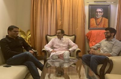 Prashant Kishor meets Shiv Sena chief Uddhav Thackeray, expresses wish to join hands