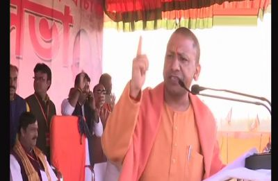 Yogi Adityanath holds rally in Purulia despite warning, says Mamata is saving a corrupt officer