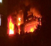 7 dead, 28 injured in Paris building blaze, firefighters fear more damage