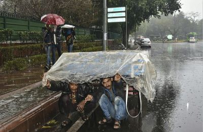 38 flights diverted from IGI airport due to heavy rain and hailstorm in Delhi-NCR