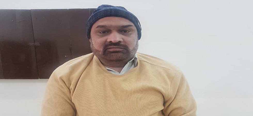 Rizwan Razi, who hosts a talk shown on Din News, was arrested from his residence in Lahore. (Twitter)
