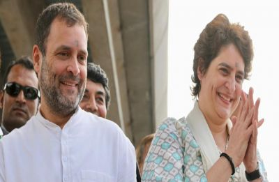 Priyanka Gandhi Vadra reaches Jaipur in special flight, to meet Robert Vadra