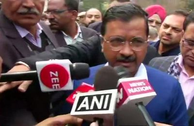 Arvind Kejriwal announces Rs 5 lakh compensation for Karol Bagh fire victims