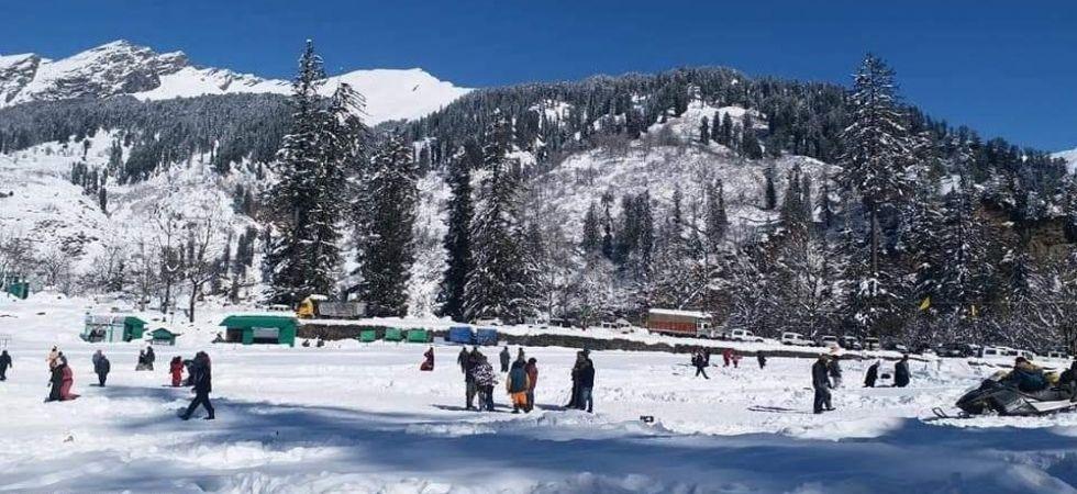 Amid fresh snowfall prediction, schools vacation in Himachal Pradesh's Kullu extended (Representational Image)