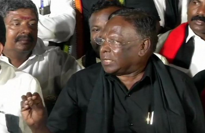 Puducherry CM V Narayanasamy 'temporarily' suspends 'dharna' outside Raj Nivas