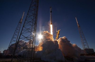 NASA greenlights SpaceX crew capsule test to ISS