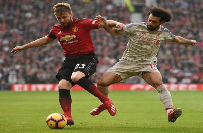 Liverpool go on top in Premier League after 0-0 draw against Manchester United