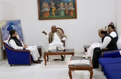 At Rahul-Deve Gowda meeting, JDS bargains for 10 seats in Karnataka