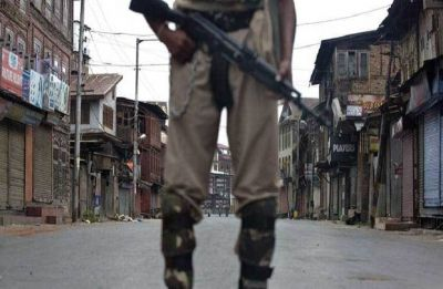 Suspected terrorists snatch AK-47 from PSO of Kishtwar's deputy commissioner