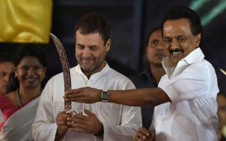 Opinion Poll: DMK-Congress combine to dampen spirit of