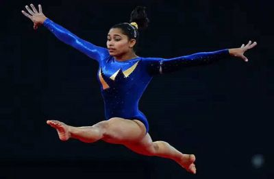 Dipa Karmakar injures knee, withdraws from Doha Gymnastics World Cup