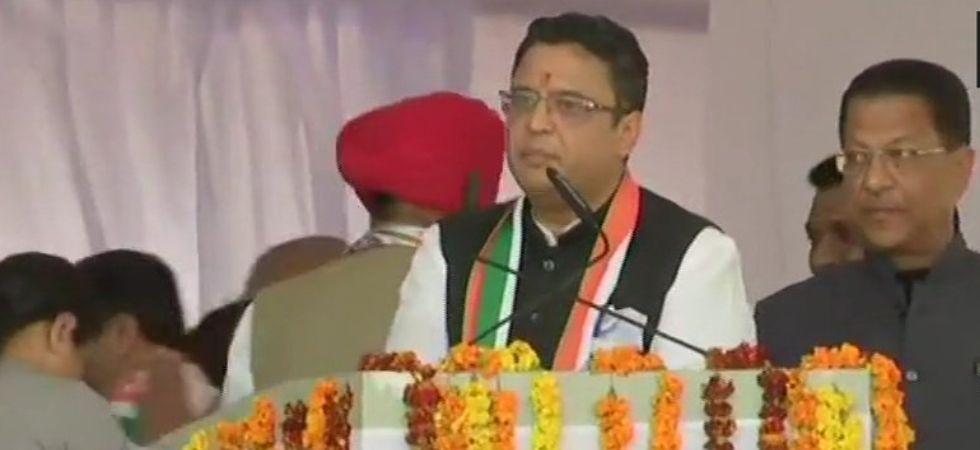 Manish Khanduri, son of former Uttarakhand Chief Minister BC Khanduri, joins Congress in presence of Rahul Gandhi