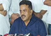 Sanjay Nirupam questions 'hurried' swearing-in of new Goa chief minister after Parrikar's death