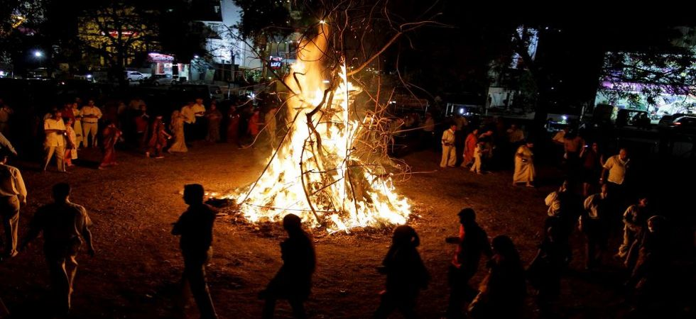 Happy Holi 2019: BJP ministers organise Holika Dahan to end evil of corruption (Representational Image)