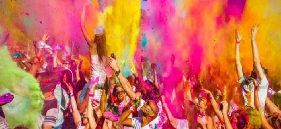 Holi 2019: Here's is your ultimate Holi playlist to lay on loop