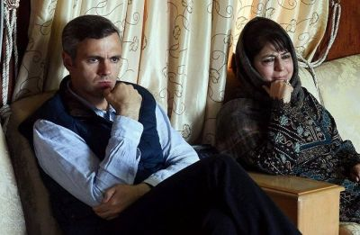 Omar, Mehbooba see Lok Sabha polls behind government boycotting Pak Day event