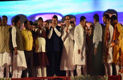 Devendra Fadnavis, Uddhav Thackeray target Pawar, Opposition in first NDA rally