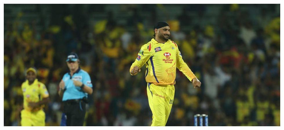 Harbhajan Singh chose to not to Mankad Shreyas Iyer in the game between Chennai Super Kings and Delhi Capitals in the IPL 2019 clash at Feroz Shah Kotla. (Image credit: Twitter)