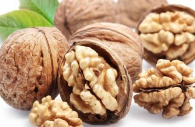 Do you know eating walnuts may help fight breast cancer?