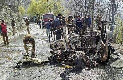 Gelatine sticks and urea used in blast near CRPF convoy in Banihal, search operation underway