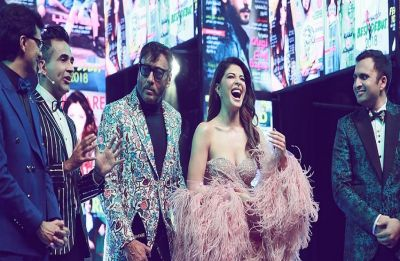 When Jacqueline Fernandez was awarded for THIS at the Filmfare 2019