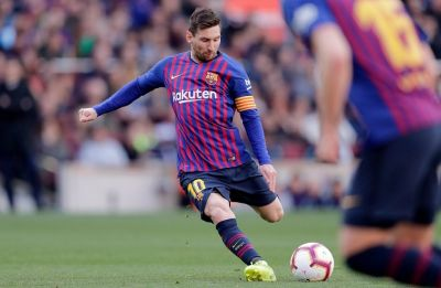 Lionel Messi gets Barcelona one step closer to La Liga title with win over Espanyol