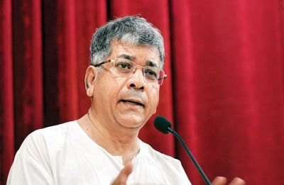 FIR against Prakash Ambedkar for threatening to jail EC if voted to power in 2019