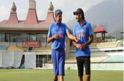 When Kapil Dev visits Ranveer Singh and '83 cast for on-field cricket training