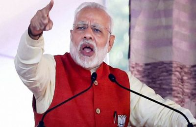 Congress, Left stooping too low to oust me, singing paeans to Pakistan: PM Modi