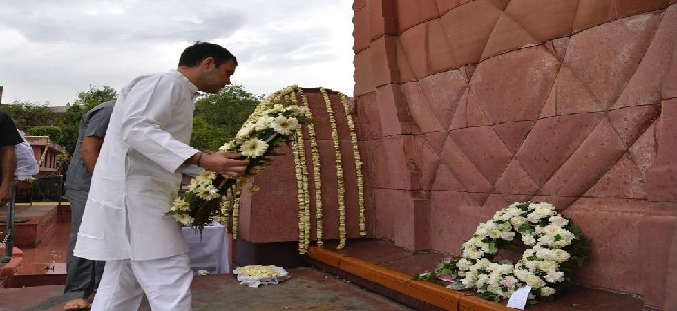 Rahul Gandhi on Saturday visited the Jallianwala Bagh National Memorial in Amritsar to pay homage to the martyrs (Photo: Twitter@INCIndia)