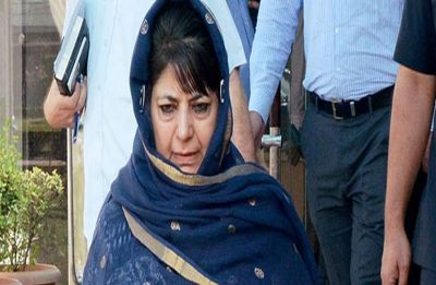 Stones hurled at Mehbooba Mufti's motorcade in Jammu and Kashmir's Anantnag