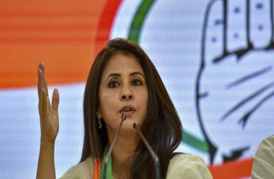 Scuffle between Congress, BJP supporters during Urmila Matondkar's poll campaign