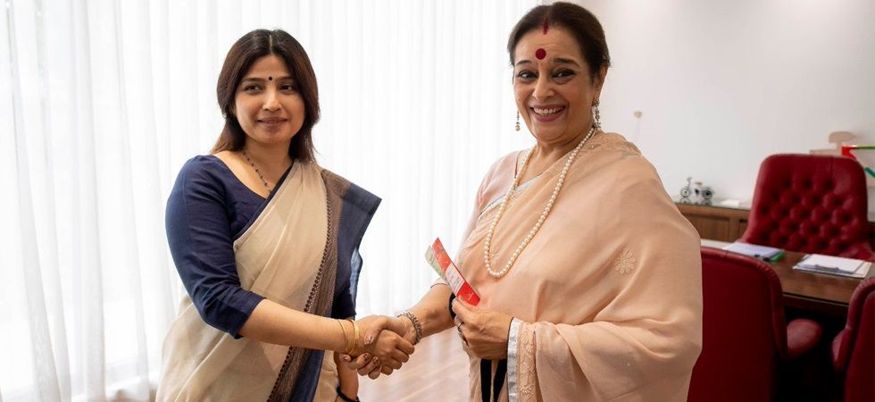 Poonam Sinha with Dimple Yadav (Photo tweeted by Samajwadi Party)