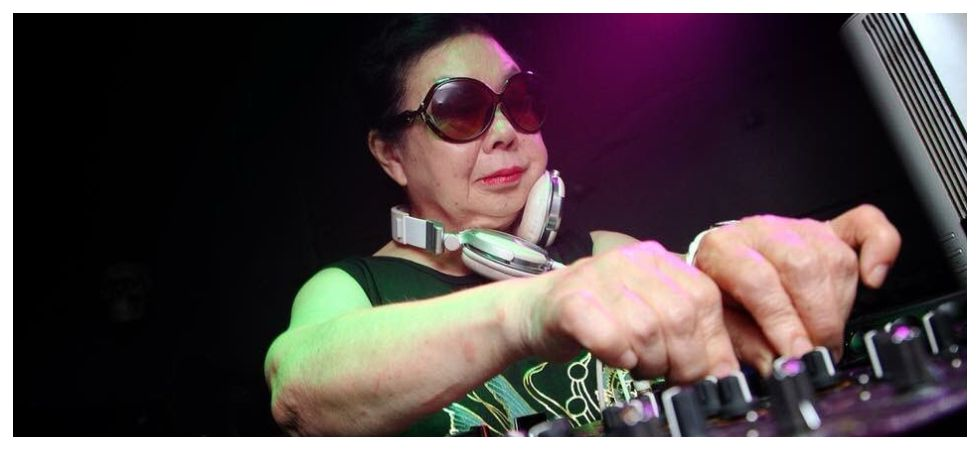 Sumiko Iwamuro from Tokyo could be the coolest 84-year-old ever (Photo: Twitter)