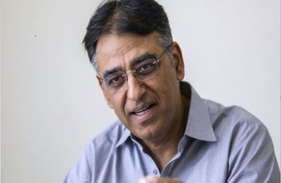 Pakistan Finance Minister Asad Umar quits ahead of IMF deal