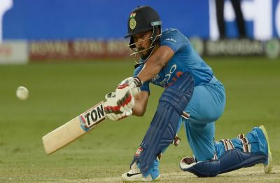 Jadhav needs a few good IPL knocks going into WC: Sunrendra Bhave