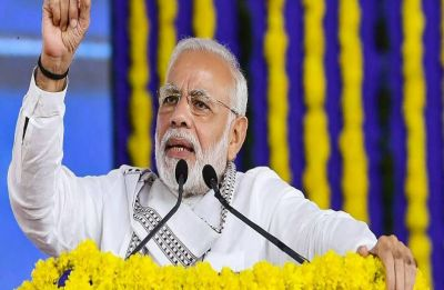PM Modi woos traders, promises collateral-free loan, pension, credit card if NDA re-elected