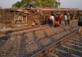 Howrah-New Delhi Poorva Express derails near Kanpur, 13 injured