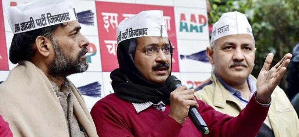 (Left to Right) Yogendra Yadav, Arvind Kejriwal and Manish Sisodia (File Photo)