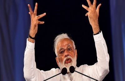'Ghungroo bandhke taiyar ho gaye': Modi assails rival PM aspirants, Cong demands his apology
