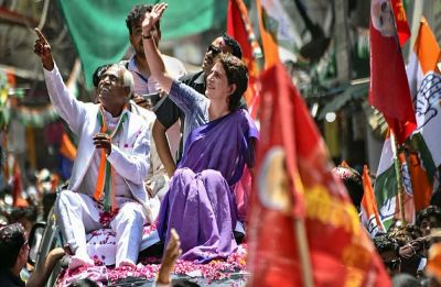 Priyanka Gandhi holds roadshows in Bundelkhand, greeted with slogans of 'Chowkidar Chor Hai'