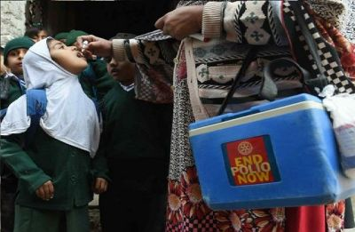 Pakistan government suspends anti-polio drive after security threats to workers