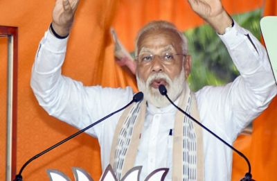 40 Trinamool lawmakers are in touch with me, they will leave you on May 23: Modi attacks Mamata