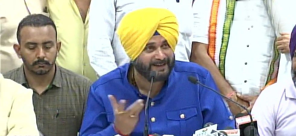 Navjot Sidhu has been targeting PM Modi ever since he left the Bharatiya Janata Party (BJP) in 2016, tweeted. (File Photo: PTI)